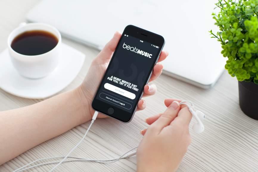 astuce toute simple pour amplifier le son de votre iphone sans enceinte truc et astuce. Black Bedroom Furniture Sets. Home Design Ideas