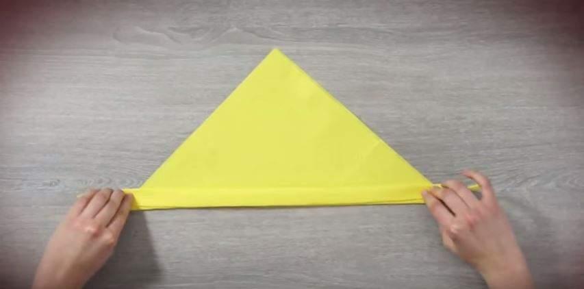 serviette de table en forme de lapin étape 3
