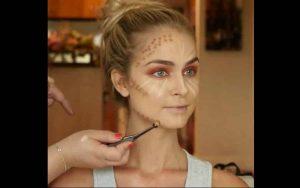 maquillage pour les yeux bleus ou bruns