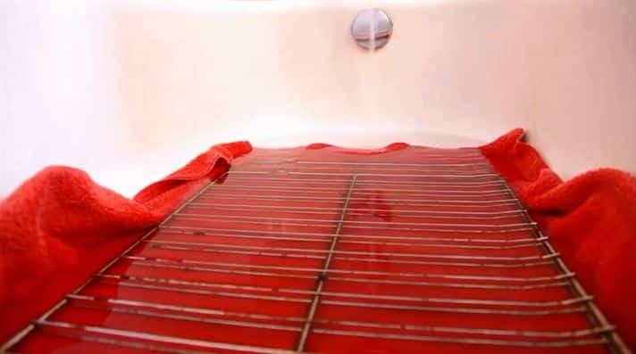 comment nettoyer les grilles de four 3ième étape