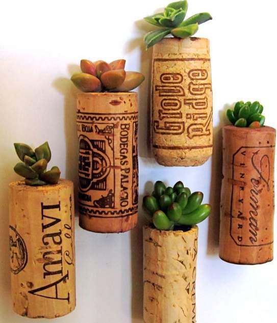 minis plantes et pots en bouchons de liège